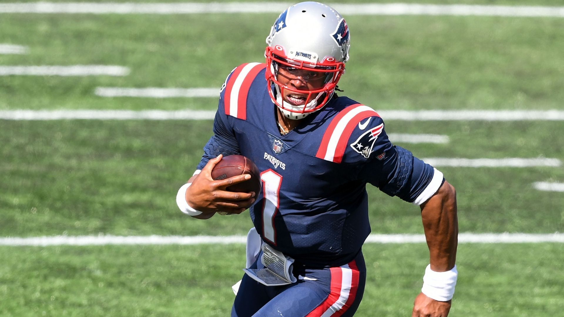 Cam Newton S Patriots Debut Features Late Scuffle With Dolphins In 2020 Fantasy Football Cam Newton Patriots