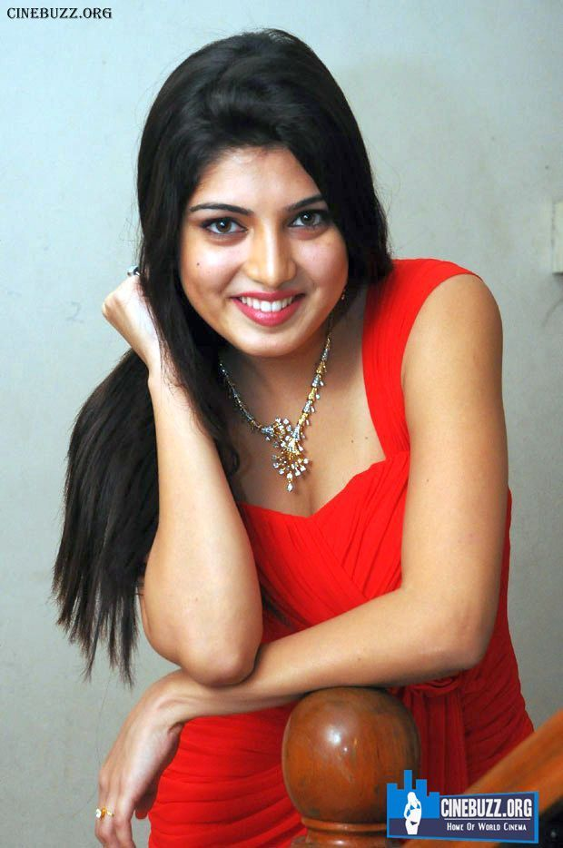 Hot and Unseen Hot Pics of Priyadarshini