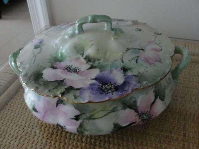 Large Porcelain Limoges Covered Casserole Dish Excellent Condition