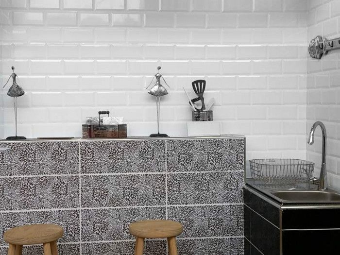 Valencia Subway Bevelled Glossy White Ceramic Wall Tile 200 X 100mm Ctm Wall Tiles Kitchen Wall Tiles White Wall Tiles