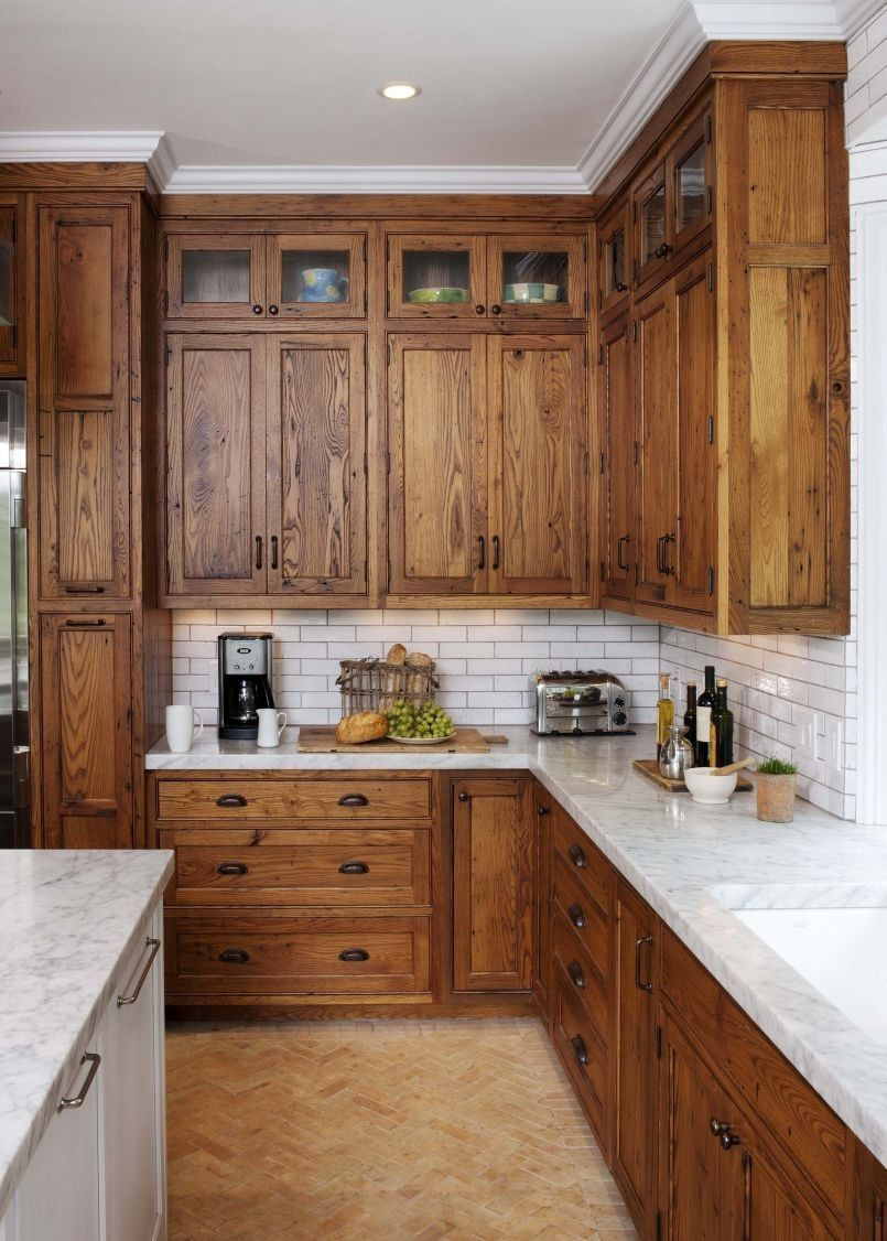 25 Elegant Knotty Pine Kitchen Cabinets in 2020   Stained ...