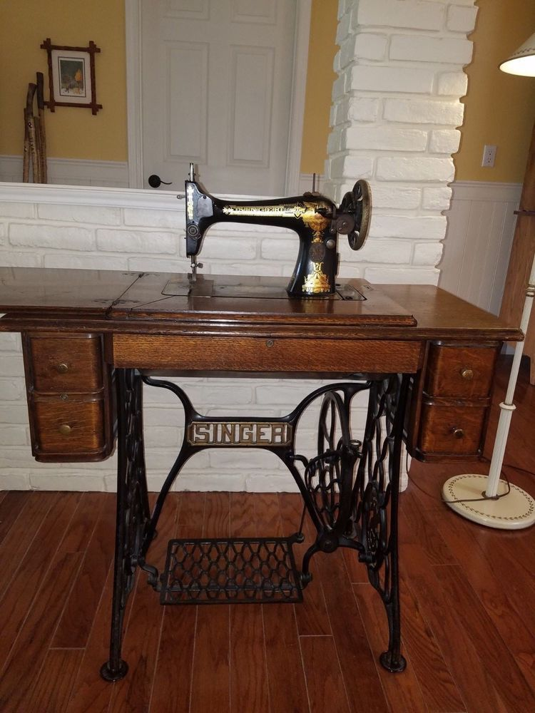 SINGER Antique 5 Drawer Treadle Sewing Machine, MODEL 15