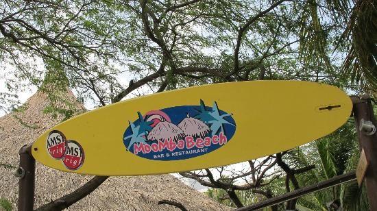 Marriott's Aruba Ocean Club: Good brunch and dinner on the beach at night