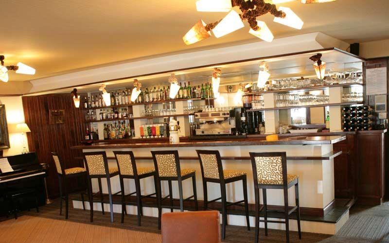 L\'Hôtel-Restaurant Le Faisan Doré à Fontenay-sur-Orne dispose de d ...
