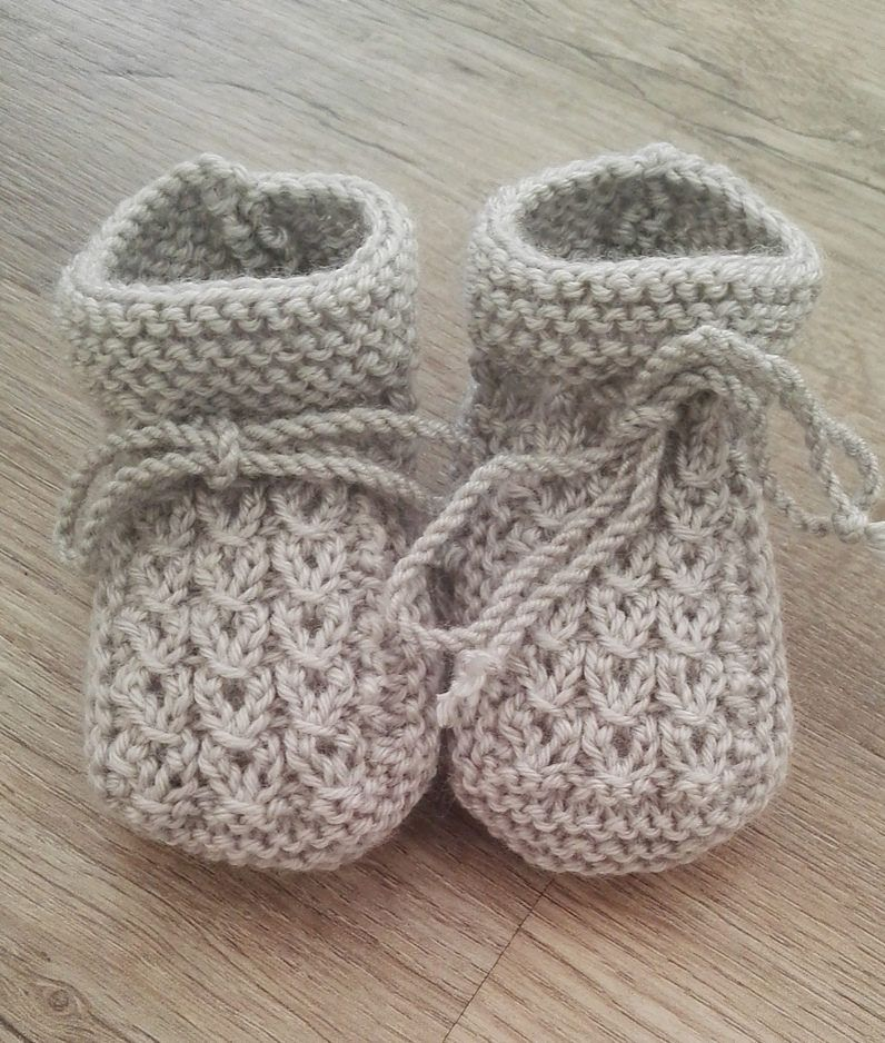Free Knitting Pattern Little Eyes Baby Booties Breien Pinterest
