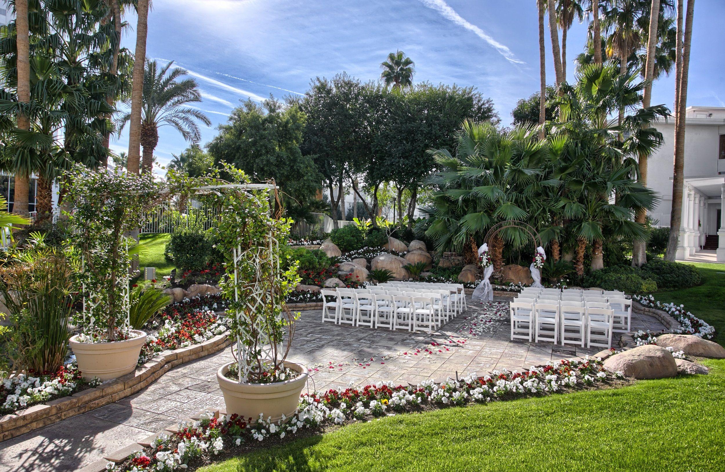 Tropicana Lv Weddings Island Courtyard Las Vegas Wedding Chapel Tropical Chapels Photography Lasvegaswedding Vegaswedding