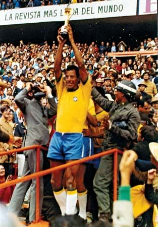Carlos Alberto - Check out more #Greatest #Players @ http://pinterest.com/SoccerFocus/Greatest-Players