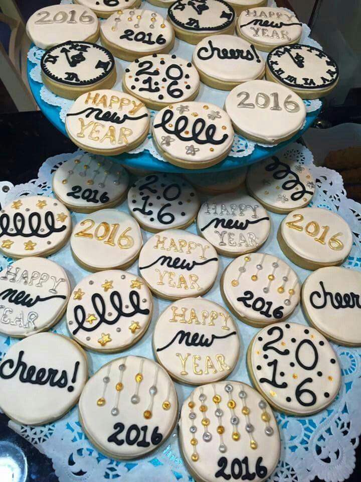 New Year cookies | New years cookies, Cookie decorating ...