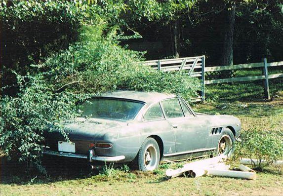 Ferrari 330 GT.