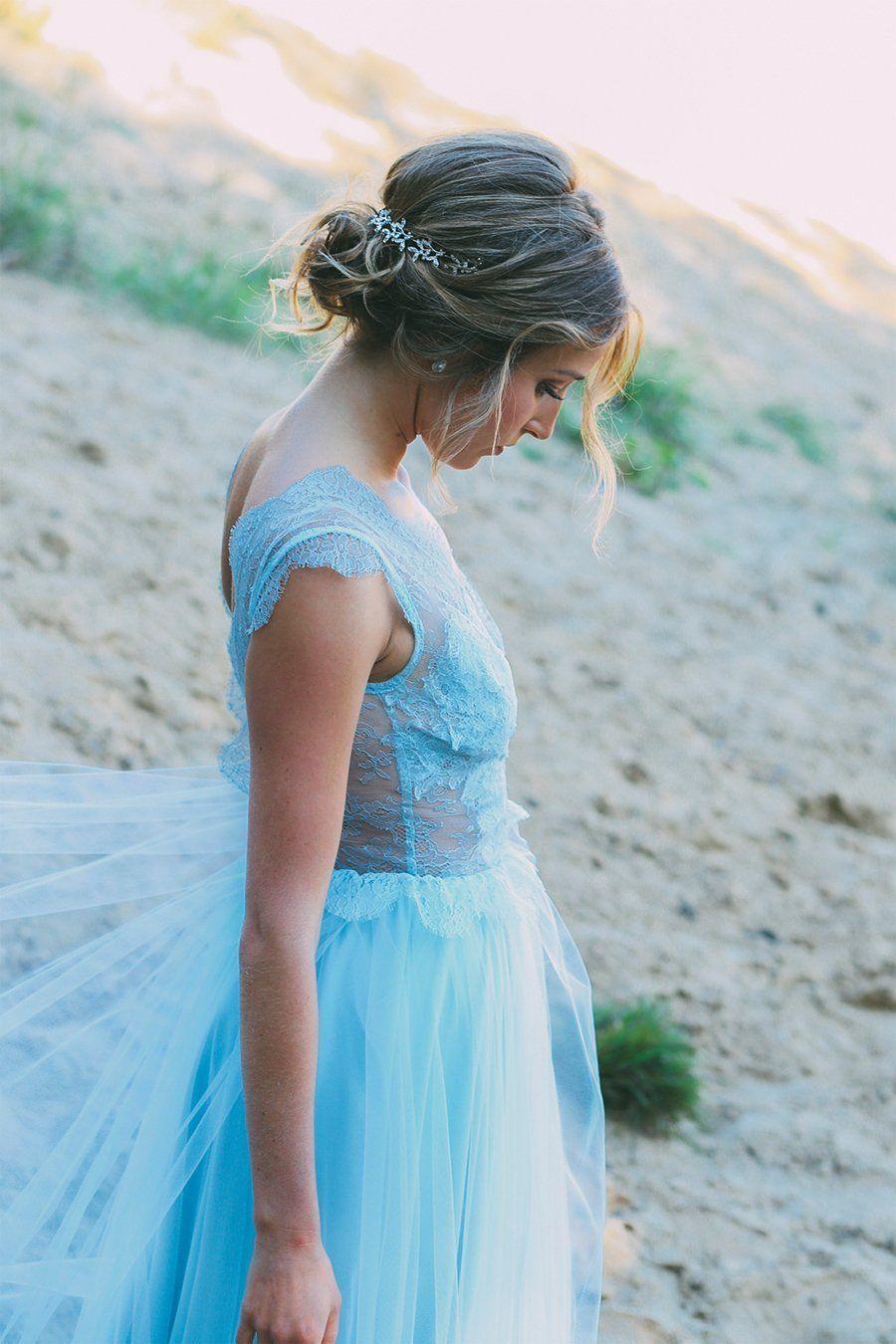 Ein blaues Brautkleid  Brautkleid, Kleid hochzeit, Blumenmädchen
