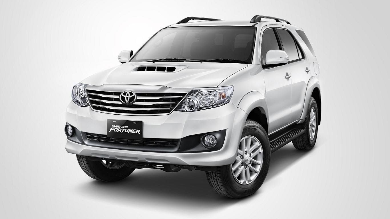 2015 toyota fortuner there are three engine variants