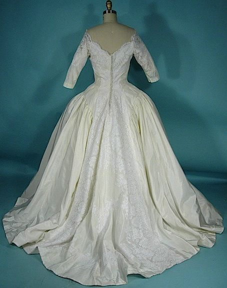 1959 PRISCILLA OF BOSTON Huge Lighted Ivory Silk Taffeta Trained ...