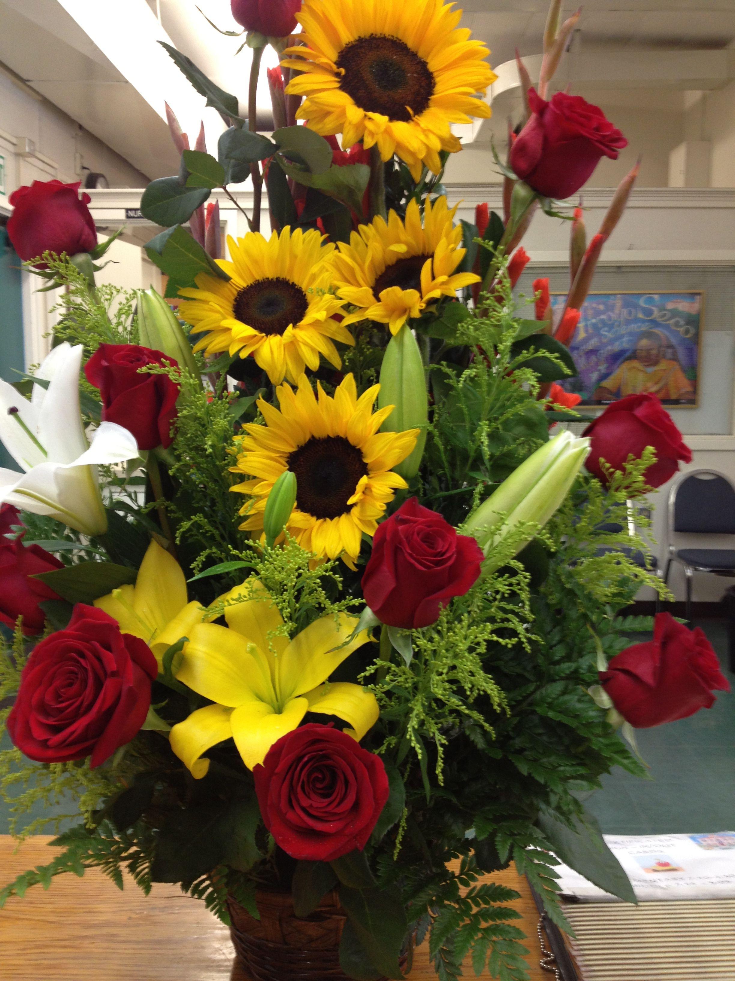 Sunflowers n Roses   Flower arrangement designs, Valentine flower arrangements, Sunflowers and roses