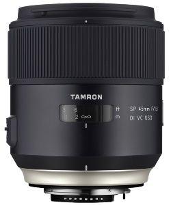 4名のカメラマンが、2015年に登場した交換レンズのなかからお薦めの3製品を紹介する企画の後編です。今回も、実売価格が1万5000円前後のお手ごろレンズから、40万円超の憧れレンズまで、個性的なレンズがズラリ勢ぞろいしました。