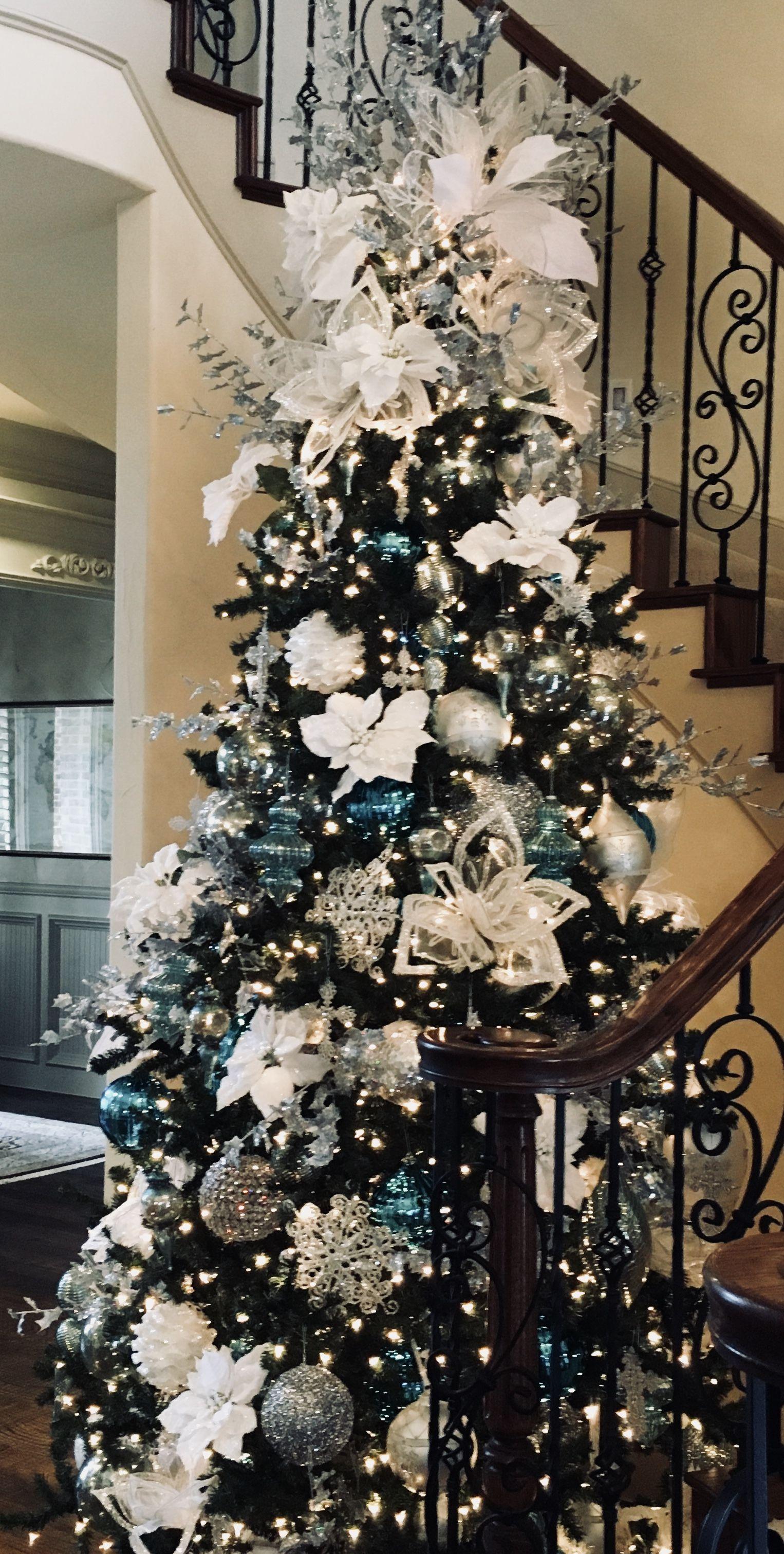 Clue And White Christmas Tree Elegant Christmas Trees Christmas Tree Themes Black Christmas Trees