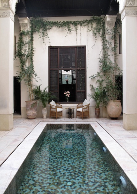 C 39 est l 39 t temps de rester pr s de la piscine plunge for Garden plunge pool