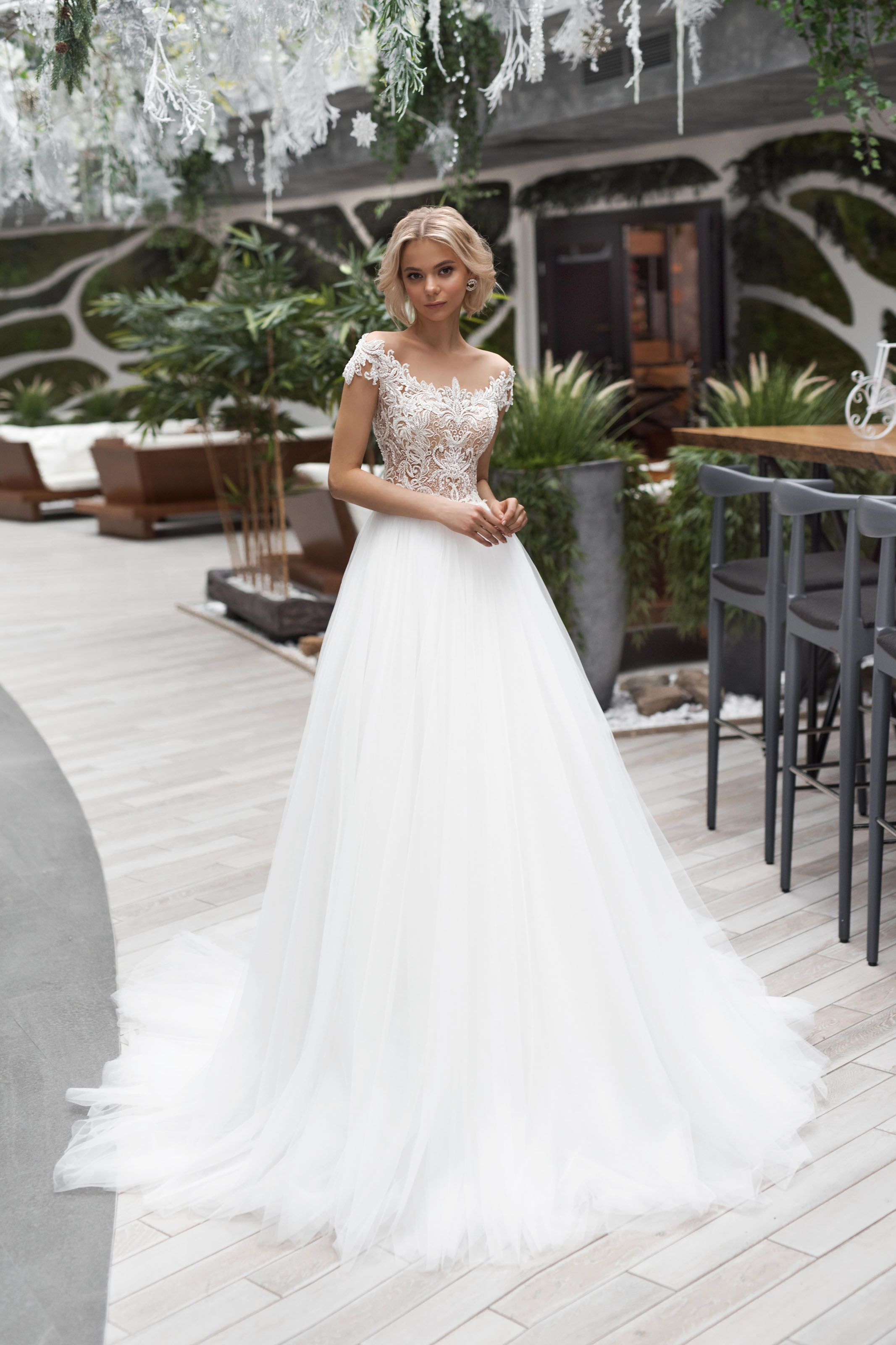 Wedding Gown Strekoza Sinuosa Luxx Nova Wedding Dresses Online Wedding Dress Sparkle Wedding Dress [ 3200 x 2133 Pixel ]