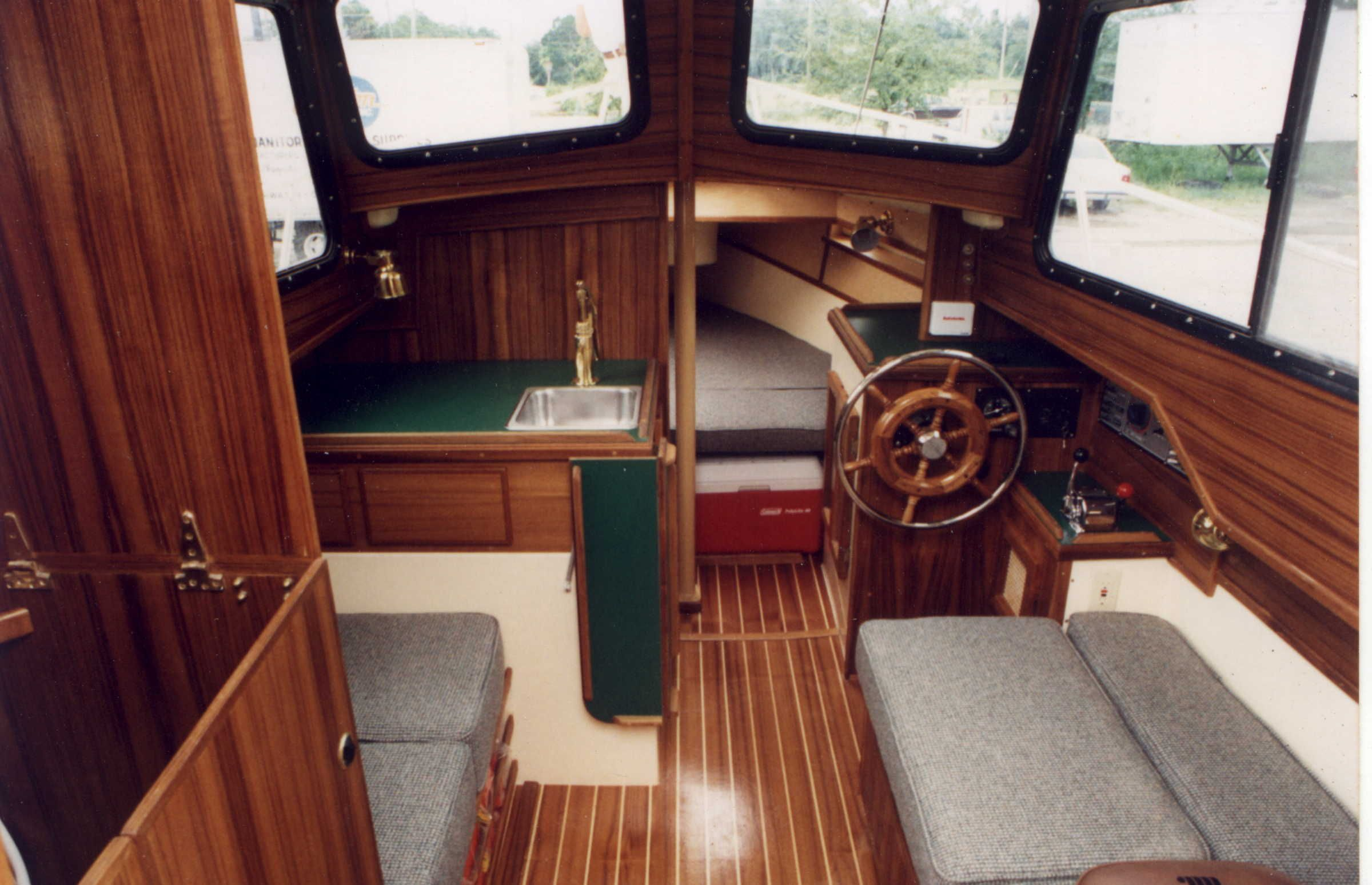 c dory 25 - with amazing cabin! | Gorgeous Boats | Cabin cruiser, Boat, Motor boats