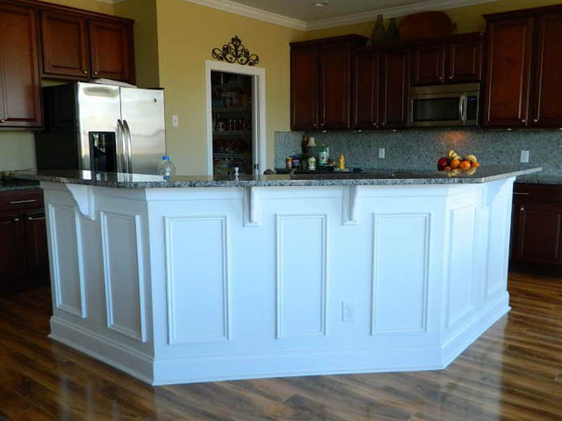 wainscoting on kitchen island painted same color as cabinets paint match wainscot 6927