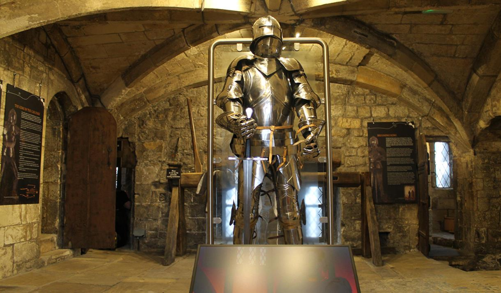 Suit of armour at Richard III Experience at Monk Bar in ...