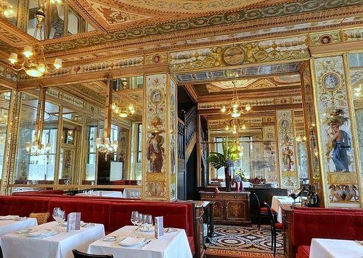 Le grand vefour the prettiest restaurant in paris it 39 s for Design hotel jewel