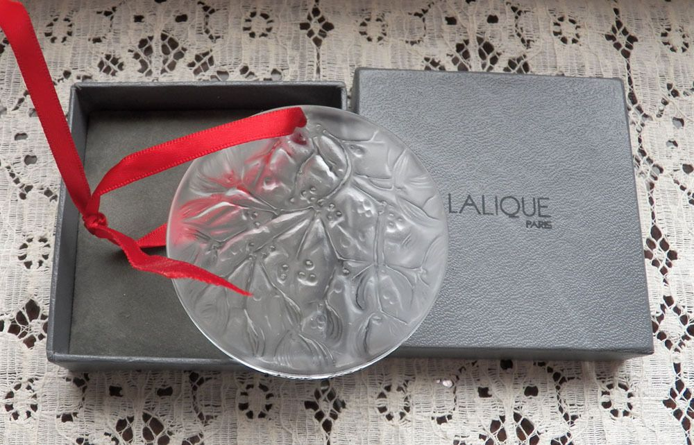 """Lalique Christmas ornament Noel 1988 with box Clear Crystal 2 1/2"""" Diameter"""