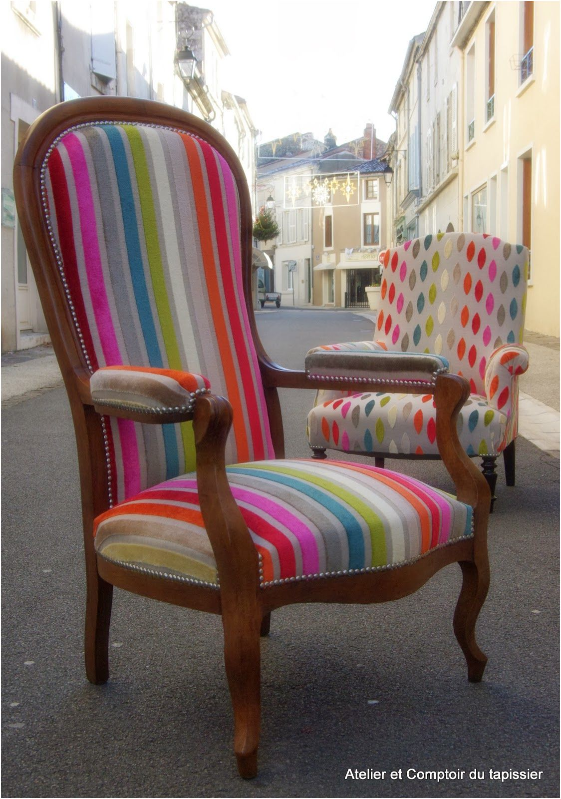 Fauteuil Voltaire In 2020 Funky Chairs Chair Upholstery Furniture