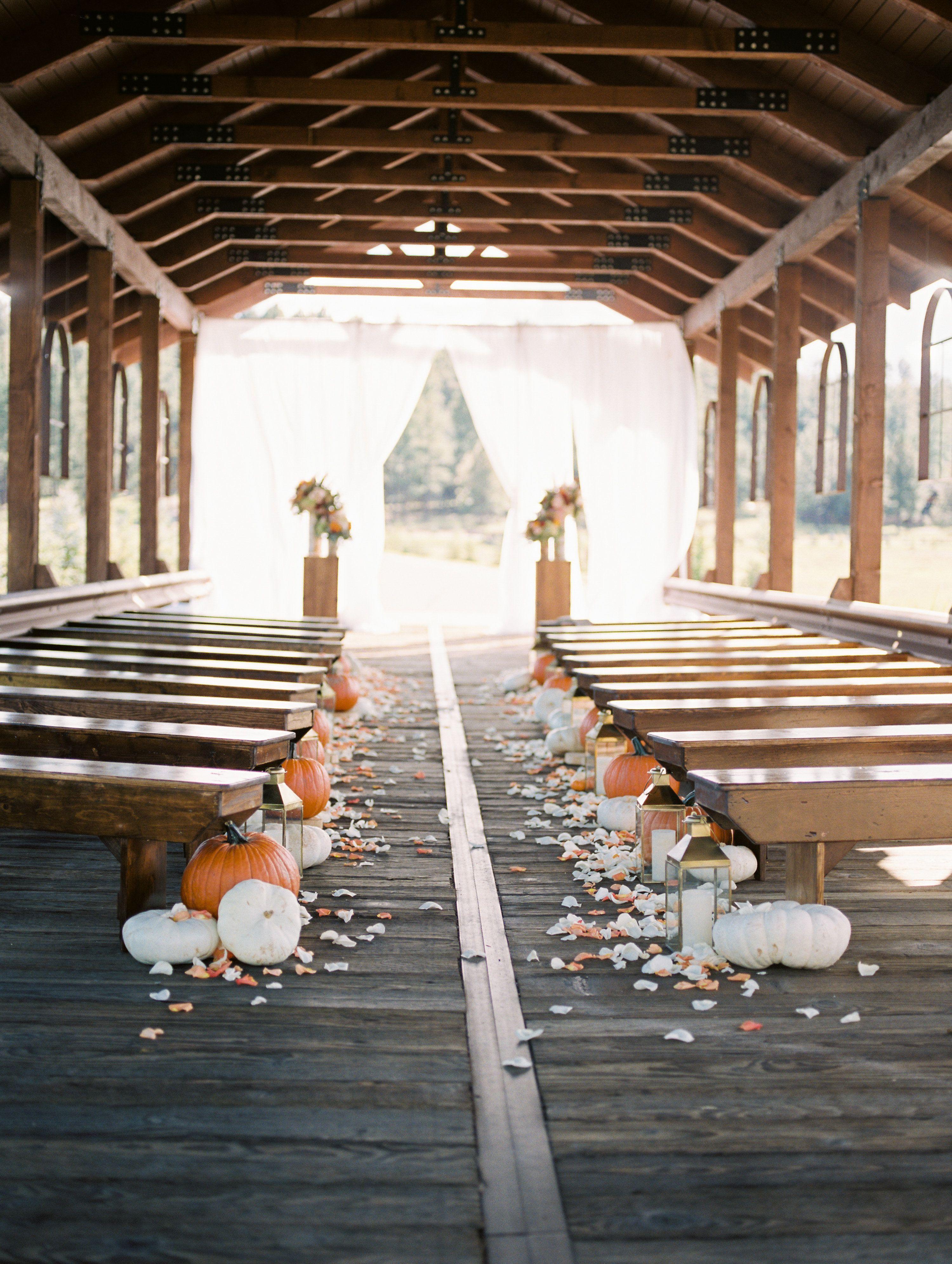 Rustic Fall Wedding Decor Ideas . Looking For A Variety Of Barn Wedding  Decor Ideas?
