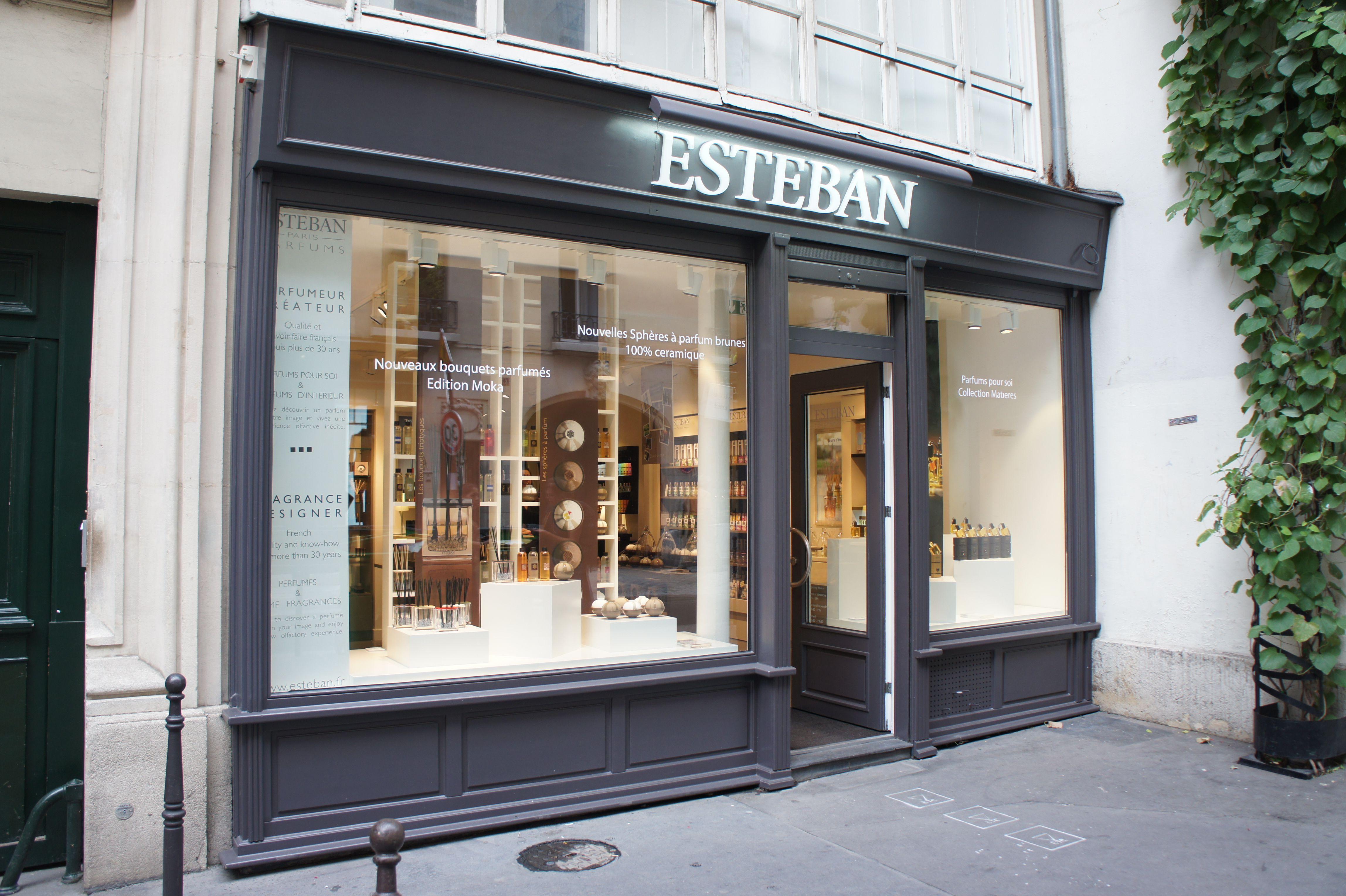 boutique est ban dans le marais paris 32 rue des francs bourgeois boutique ouverte le. Black Bedroom Furniture Sets. Home Design Ideas