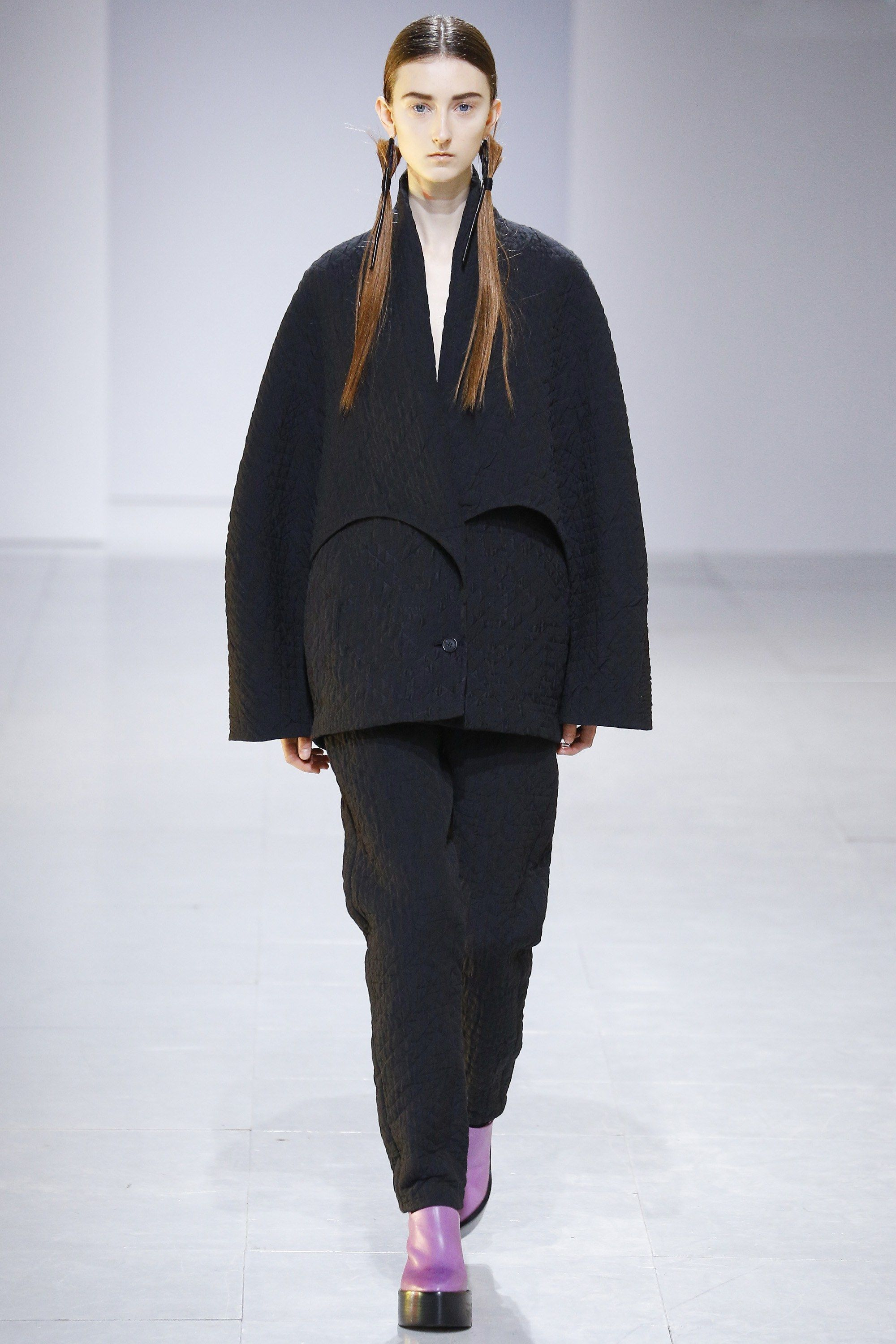 Chalayan Fall 2016 Ready-to-Wear Collection Photos - Vogue