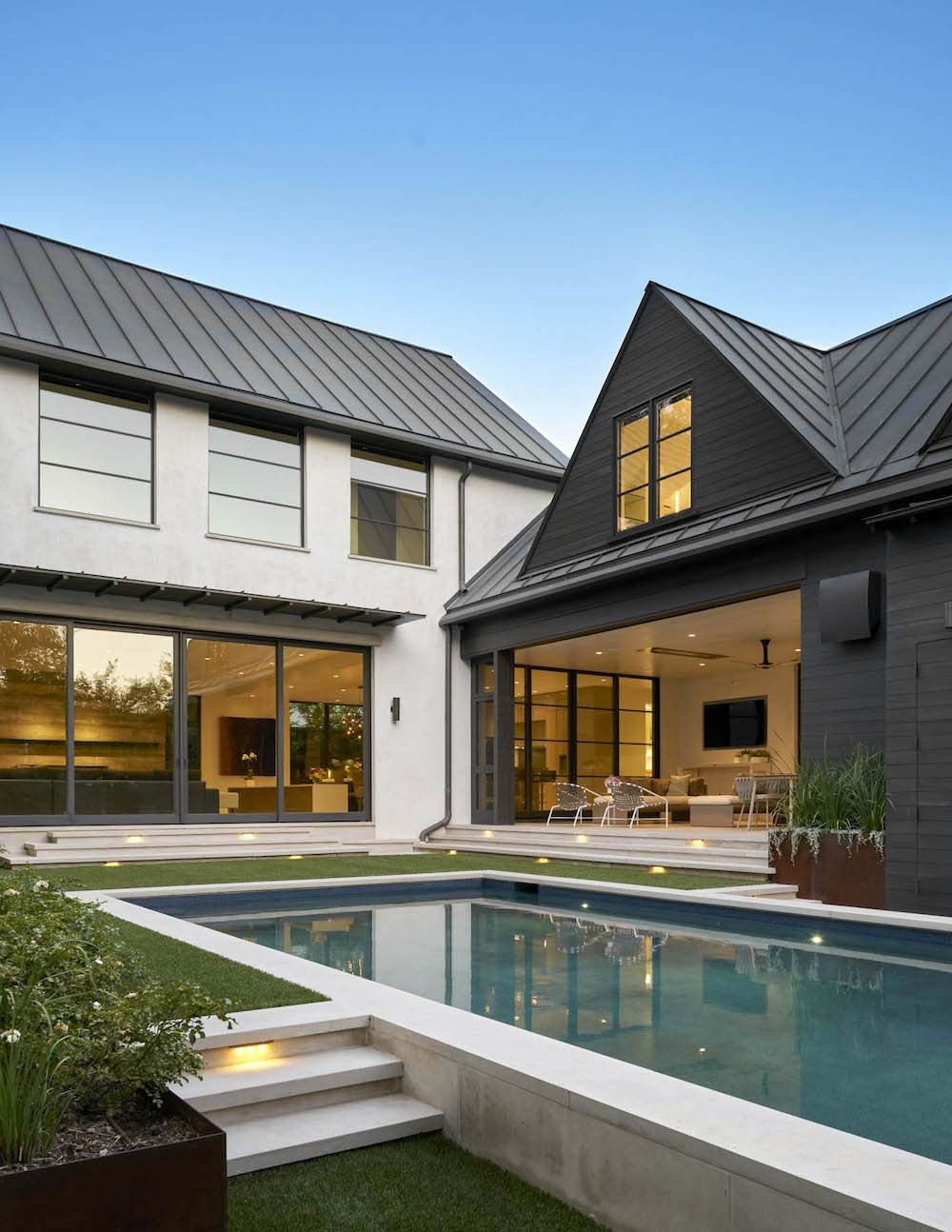 Outstanding Contemporary Home In Texas With Inspiring Design Details Modern House Design House Design Contemporary House