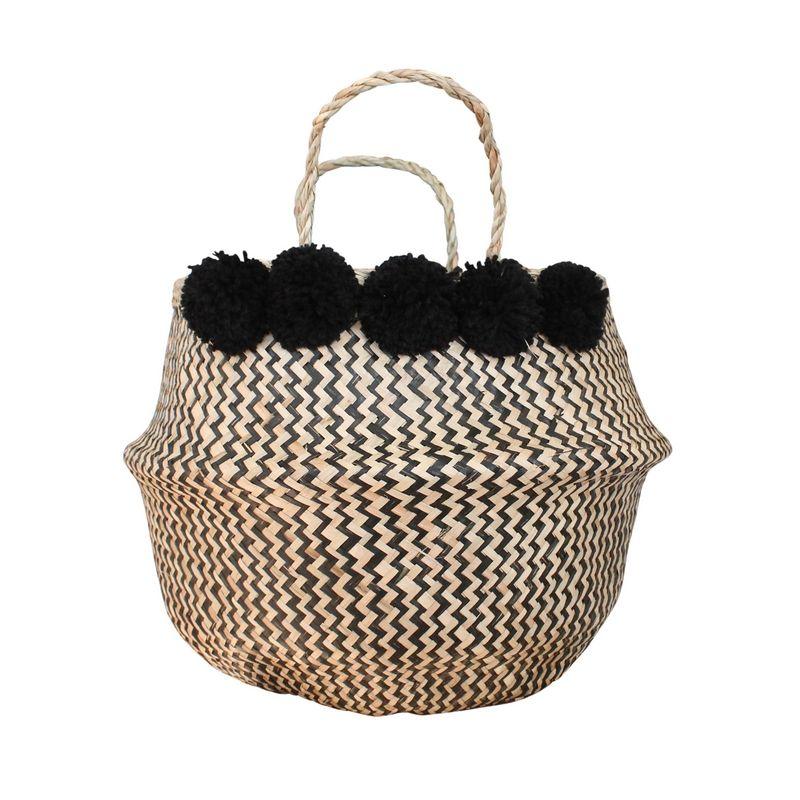48befe76a61258 On adore ce grand panier boule zig zag noir et naturel en jonc de mer à  pompons (5 de chaque côté). Coloris des pompons   noirs. Il se rabat pour  former une ...
