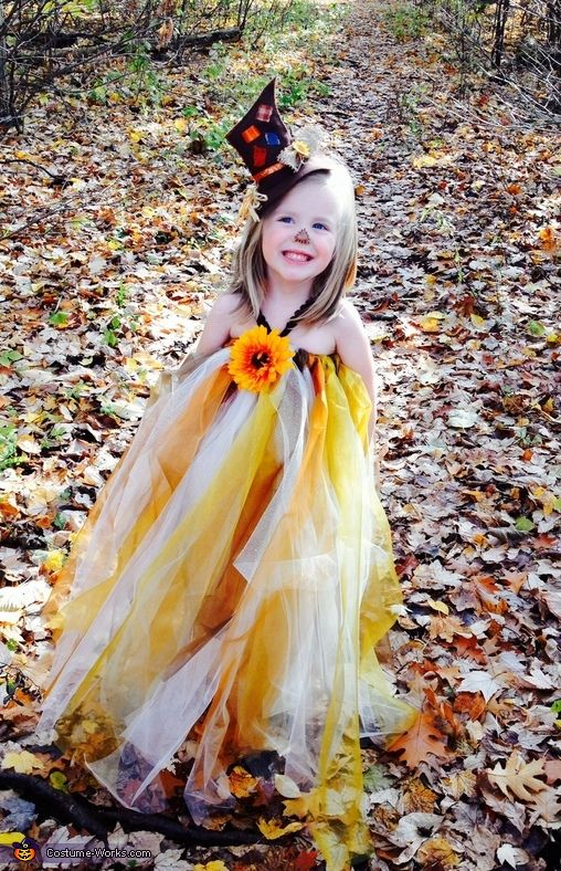 Pretty Scarecrow Halloween Costume Contest at Costume