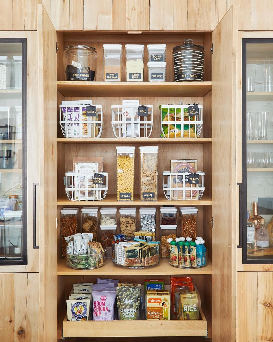 calling all organization enthusiasts if you love looking at perfectly organized pantries or on kitchen decor organization id=52627
