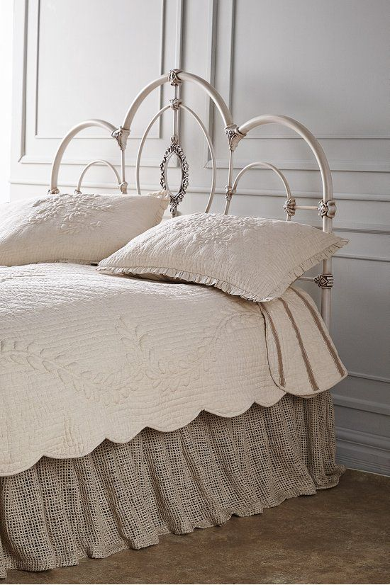 Pin By Laura On Wrought Iron Headboard In 2020 Iron Headboard White Iron Beds Metal Headboard