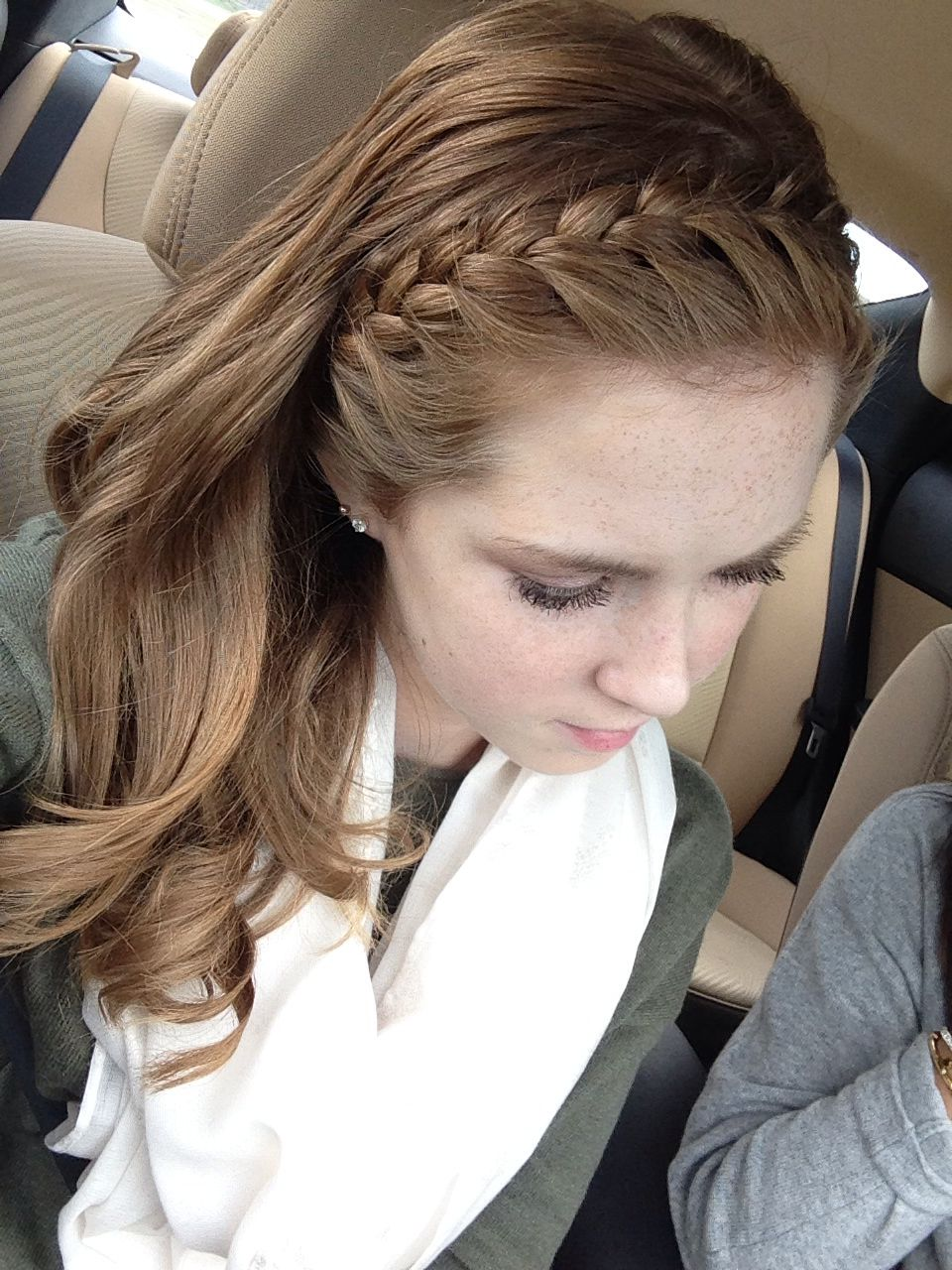 Pin By Alli Tate On Hair Loose Curls Hairstyles Braided Headband Hairstyle Hair Styles