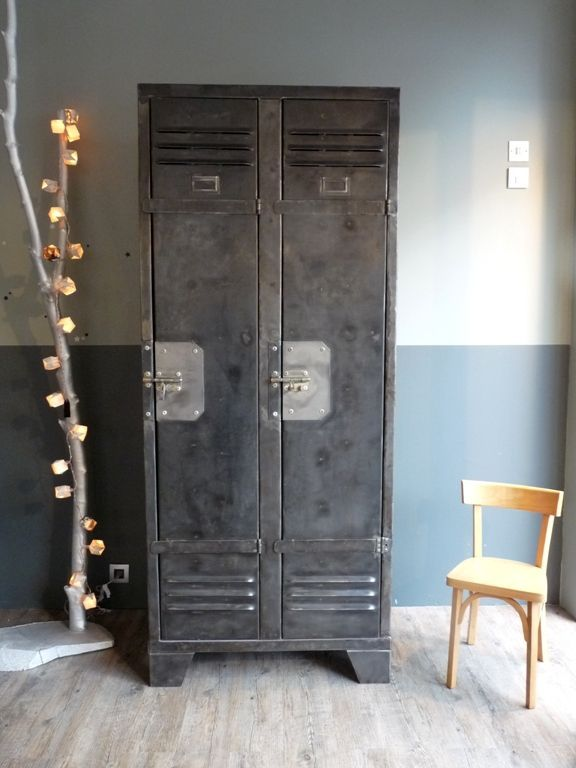 love old lockers perfect storage in main bathroom locker room pinterest industriel. Black Bedroom Furniture Sets. Home Design Ideas