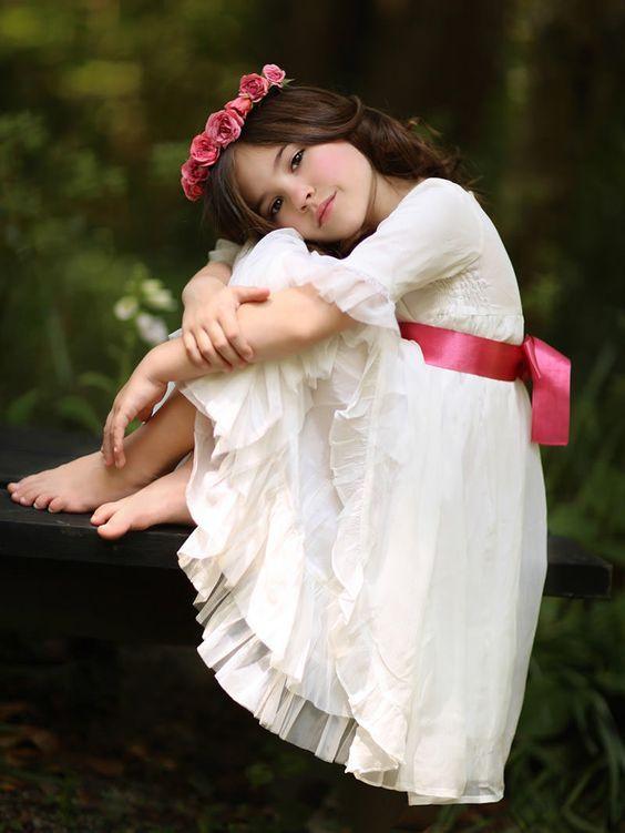ملابس بنات اطفال للمناسبات و الأعياد موضة 2020 بفبوف In 2020 Little Girl Photography Little Girl Photos Photographing Kids