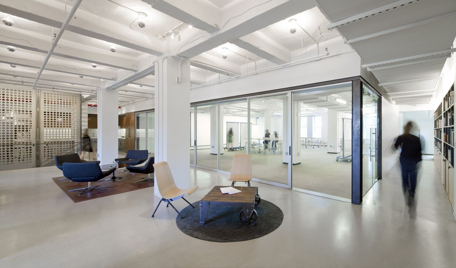 SY Partners - Presentation space with movable Gater Board panels for fluid collaboration