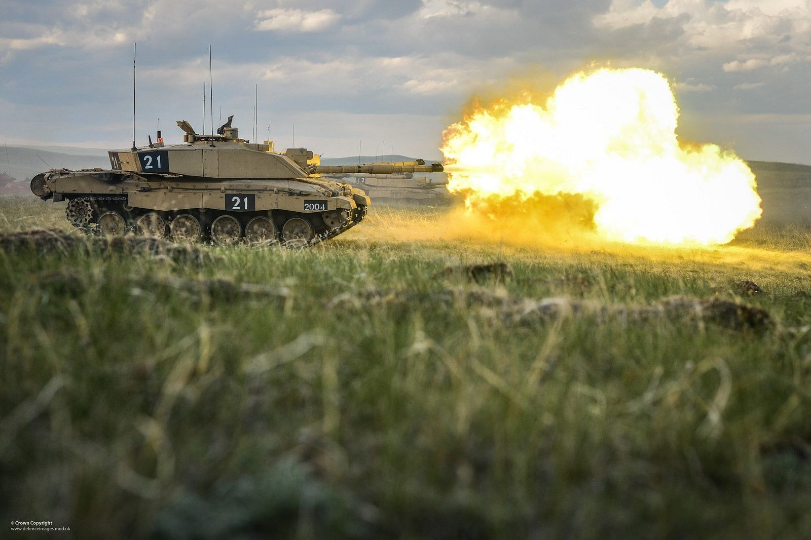 Challenger 2 Tank Firing At Batus Royal Welsh Lightning Photos Challenger