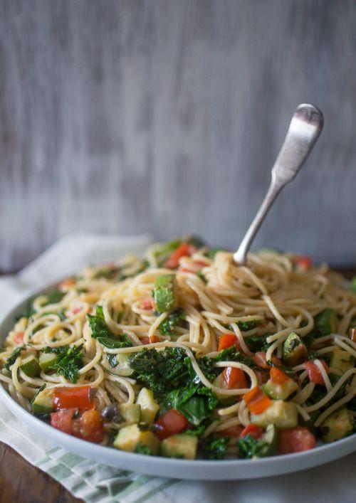 prettypasta:  Zucchini Tomato Kale Pasta                    Dreaming of summer? Take a break from reality.