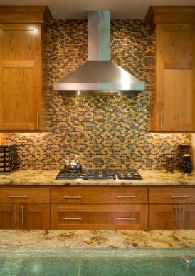EXACT-maple, golden granite, stainless handle, stainless appliances, dark backsplash (beige, brown, green)