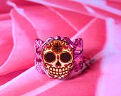 WANT IT!!!  Day of the Dead Filigree Sugar Skull Ring in an Antiqued Silver Finish. $9.95, via Etsy.