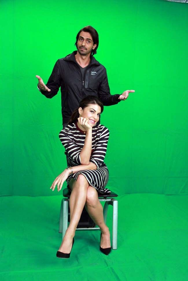 Roy stars Arjun Rampal and Jacqueline Fernandez pose for a promo. #Bollywood #Fashion #Style #Beauty #Handsome