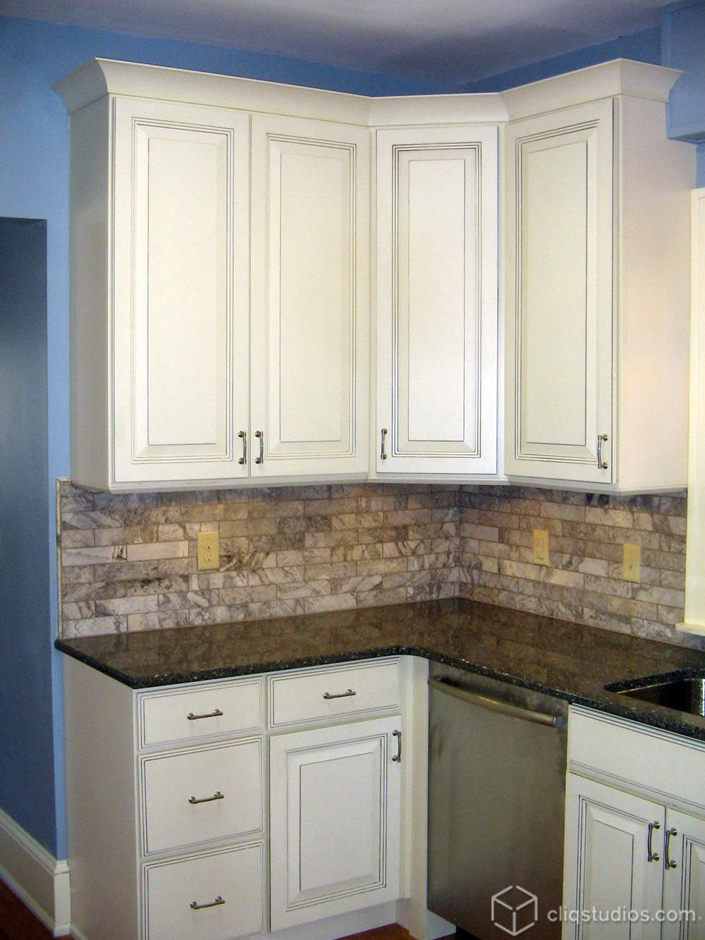 A traditional kitchen with the raised panel Carlton cabinets from ...