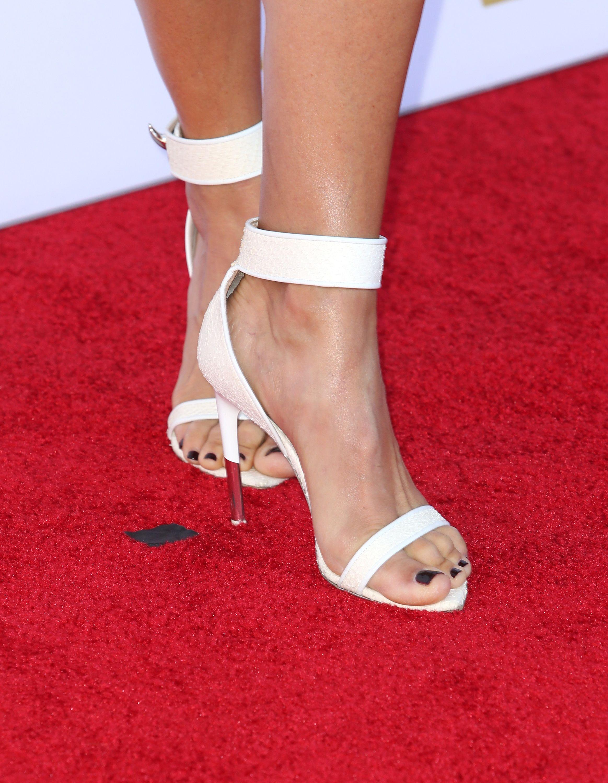 23f1c60aee0 Lori Loughlin's Feet << wikiFeet | LORI LOUGHLIN | Heels, Lori ...