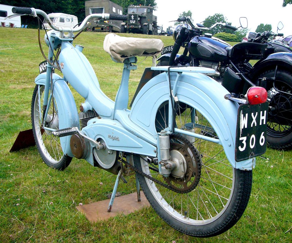 mobylette 50 moped rally engine and mopeds. Black Bedroom Furniture Sets. Home Design Ideas