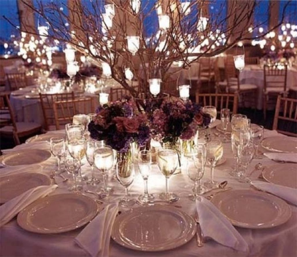 Wedding decoration budget seeur easy wedding reception for Modern table centerpiece ideas
