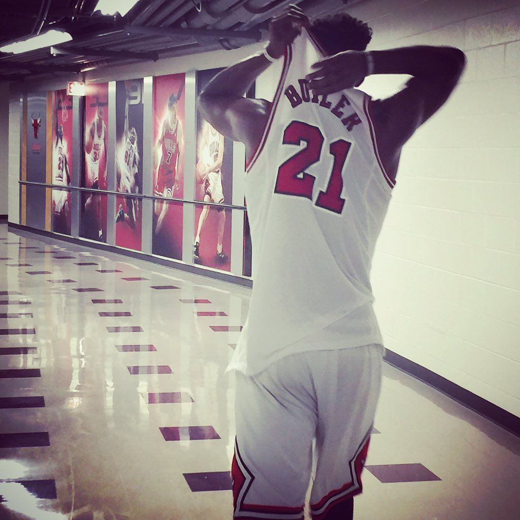 Chicago Bulls on Chicago bulls, Chicago, Sports