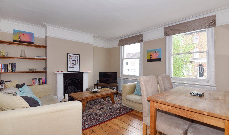 Flat to rent in Ravesnwood Road SW12   Daniel Cobb